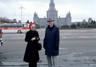 Union Square Photograph - Us Physicists In Moscow by Emilio Segre Visual Archives/american Institute Of Physics