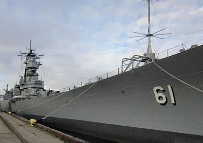 Ships Photograph - Uss Iowa by Dan Twyman