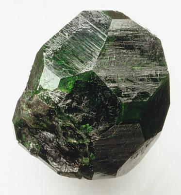 Uvarovite (garnet) Crystal Print by Dorling Kindersley/uig