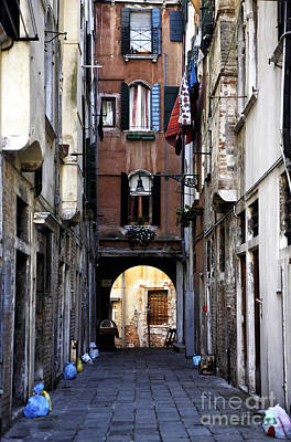 Old Home Place Photograph - Venice Alley by John Rizzuto