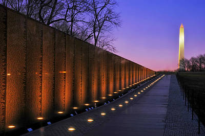Washington Monument Photograph - Vietnam Veterans Memorial At Sunset by Pixabay