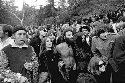 Sixties Photograph - Vietnam War Protest by Underwood Archives