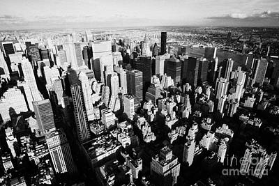 View North East Of Manhattan Queens East River From Observation Deck Empire State Building Print by Joe Fox