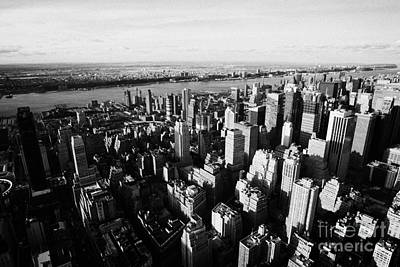 View Of Manhattan North West Towards Hudson River From Empire State Building Print by Joe Fox