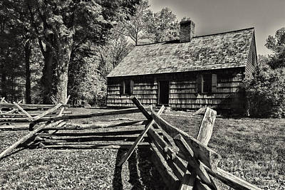 Vintage Farm House In Black And White Print by Paul Ward