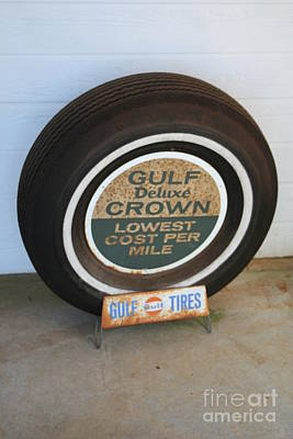 Car Photograph - Vintage Gulf Tire With Ad Plate by Lesa Fine