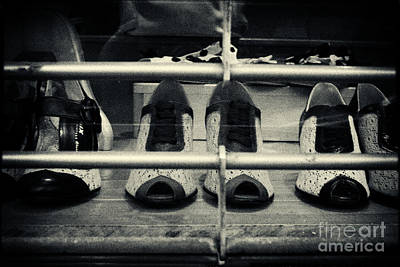 Filmnoir Photograph - Vintage Ladies' Shoes New York City by Sabine Jacobs