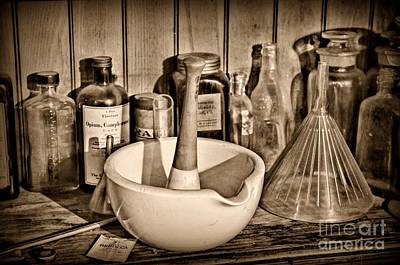 Vintage Mortar And Pestle Print by Paul Ward