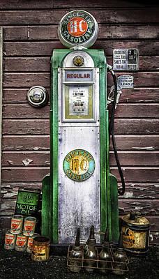 Vintage Sinclair Gas Pump Print by Thomas Schoeller