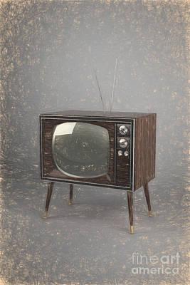 Electronic Drawing - Vintage Tv by Carsten Reisinger