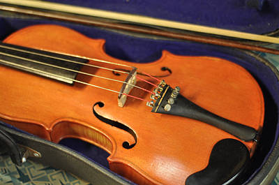 Violin Bows Violin Bows Photograph - Violin At Rest Old Fiddle With Bow by Rebecca Brittain