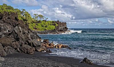 Waianapanapa State Park's Black Sand Beach Maui Hawaii Print by Edward Fielding