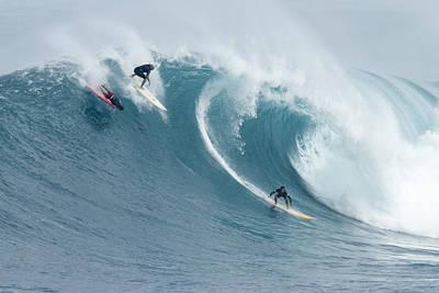 Waimea Surfers Print by Sean Davey