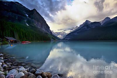 Waiting For Sunrise At Lake Louise Print by Teresa Zieba