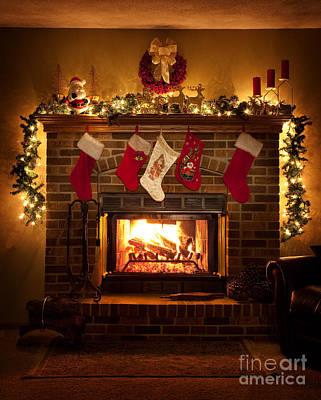 Warmth Of Christmas Print by Wayne Moran