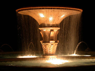 Flowing Wells Photograph - Water Fountain At Night by Dana Bechler