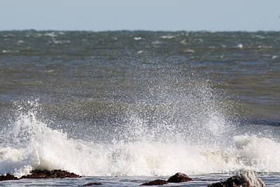 Waves Pounding The Montauk Surf Print by John Telfer