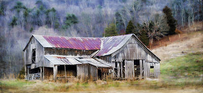 Red Roof Photograph - Weathered Barn by Kathy Jennings
