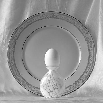White Easter Egg Print by Viktor Savchenko