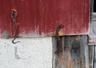 Latch Hook Photograph - Window Hardware Red 1 by Mary Bedy