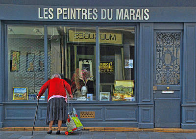 Pause Photograph - Window Shopping by Allen Beatty