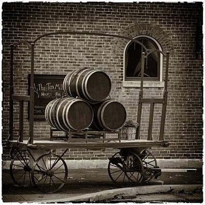 Wine Barrels On Rr Cart Hermann Mo Dsc09285 Print by Greg Kluempers