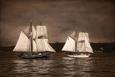 With Full Sails Print by Dale Kincaid