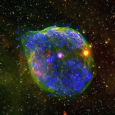 Mirror Imaging Photograph - Wolf-rayet Bubble by European Space Agency/iaa-csic/uiuc/crya-unam/noao/ctio/nasa/gsfc/iam