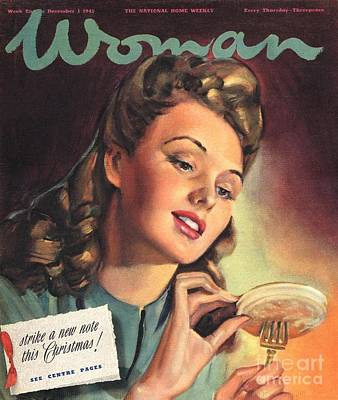 Woman 1945 1940s Uk People Eating Print by The Advertising Archives