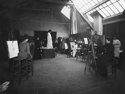 Belle Epoque Drawing - Women's Art Class, 1895 by Granger