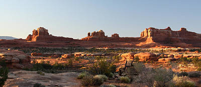 Wooden Shoe Arch In Canyonlands Np Print by Jean Clark