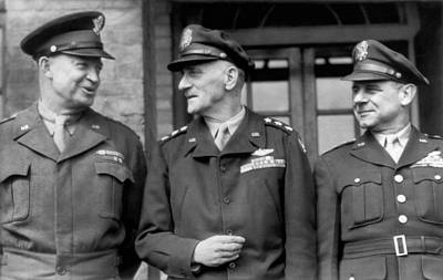 Wwii Generals Meet In England Print by Underwood Archives