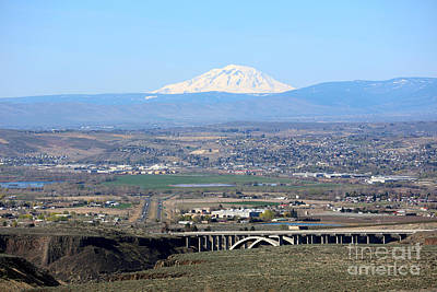 Yakima Valley Outlook With Mount Adams Print by Carol Groenen