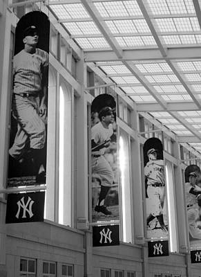 New York Yankees Photograph - Yankee Greats Of Yesteryear In Black And White by Aurelio Zucco