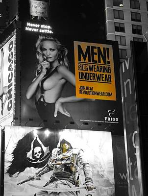 Buy Sell Photograph - Yellow In Times Square by Dan Sproul