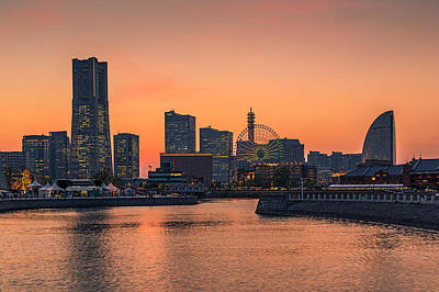 Yokohama 03 Print by Tom Uhlenberg