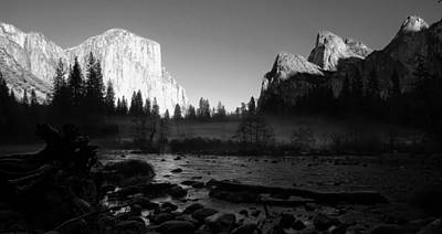 Cathedral Rock Photograph - Yosemite Valley View Black And White by Scott McGuire
