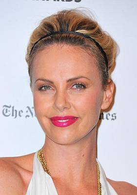 2010s Makeup Photograph - Charlize Theron Wearing A Jennifer Behr by Everett