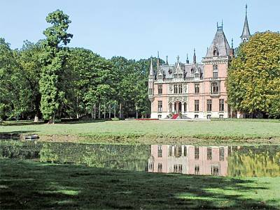 Changing Leaves Drawing - Chateau Aertrycke Torhout Belgium by Joseph Hendrix
