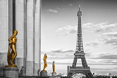 Mars Digital Art - Eiffel Tower Paris Trocadero by Melanie Viola