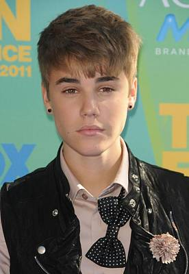 Bieber Photograph - Justin Bieber At Arrivals For 2011 Teen by Everett