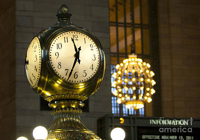 Leda Photograph - New York Minute by Leslie Leda
