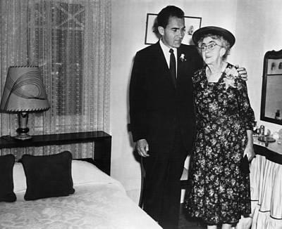 Nixon Family.  Vice President Print by Everett