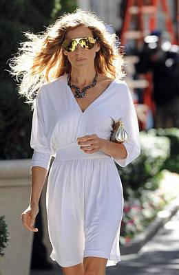 Sarah Jessica Parker Wearing A Halston Print by Everett