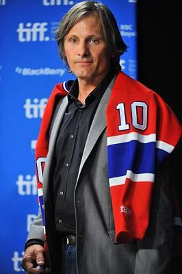 At The Press Conference Photograph - Viggo Mortensen At The Press Conference by Everett