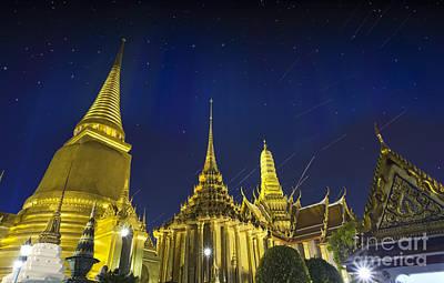 Wat Phra Kaew Print by Anek Suwannaphoom