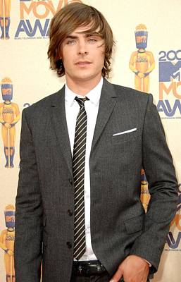 Zac Efron At Arrivals For 2009 Mtv Print by Everett