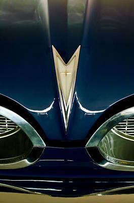 1959 Pontiac Bonneville Photograph - 1959 Pontiac Bonneville Convertible Hood Emblem by Jill Reger