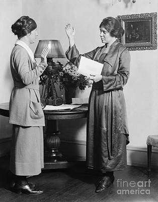 Swearing In Photograph - Alice Paul (1885-1977) by Granger