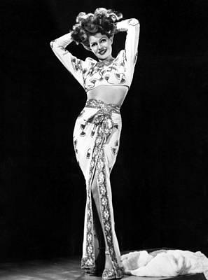 1946 Movies Photograph - Gilda, Rita Hayworth, 1946 by Everett
